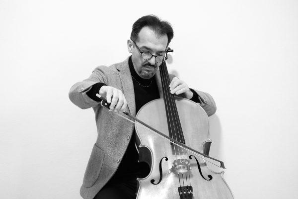 Insegnante di violoncello